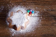 Słodki chleb zakrywający z velvety cukierem Obrazy Stock