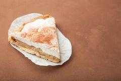 Słodki deser na brązu tle, opróżnia przestrzeń dla teksta zdjęcie royalty free