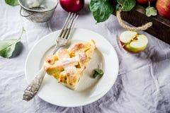 Słodki domowej roboty jabłczany kulebiak Obrazy Royalty Free