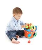 Słodki dziecko z edukacyjną zabawką zdjęcia royalty free