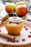 Słodki jabłko z serem piec w piekarniku Obraz Stock