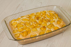 Słodki kulebiak z brzoskwinią Zdjęcia Stock
