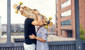 Słodki pary całowanie zdjęcie stock