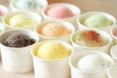 Słodkie i kolorowe lody miarki Zdjęcie Royalty Free