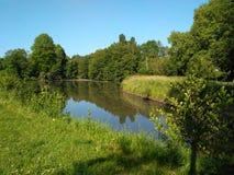 Słodkość i jędrność w jego ścieżce rzeka płynie zdjęcie stock