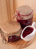 Słoje i waza z cornel dżemem Obraz Royalty Free
