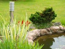 słoneczna lampy ogrodowa skała Obrazy Stock