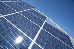 słoneczni energetyczni środowiskowi życzliwi panel Zdjęcia Royalty Free