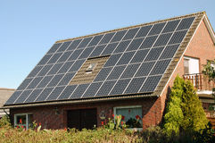 słoneczny domowy panel obraz stock