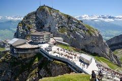 Słoneczny dzień na szczyciefal tg0 0n w tym stadium góry Pilatus blisko Luzern zdjęcie stock
