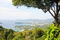 Słoneczny dzień przy karon widoku punktem, Phuket, Tajlandia fotografia royalty free
