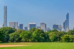 Słoneczny dzień w central park, Nowy Jork zdjęcia stock