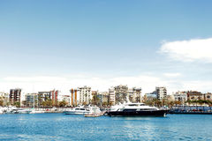 Słoneczny dzień w pięknej Barcelona zatoce Obraz Royalty Free
