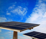 słoneczny komórki błękitny niebo Zdjęcia Royalty Free
