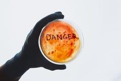 Słowa niebezpieczeństwo na Petri naczyniu Obraz Royalty Free