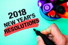 Słowa writing 2018 nowy rok postanowienia tekst Biznesowy pojęcie dla listy cele lub cele być dokonującym markiera piórem różnoro Zdjęcia Stock