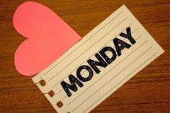Słowa writing tekst Poniedziałek Biznesowy pojęcie dla Pierwszy dnia tygodnia Z powrotem pracować weekend jest nad Wakeup Paperpi Fotografia Stock