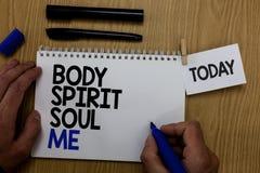 Słowa writing teksta ciała Spirytusowa dusza Ja Biznesowy pojęcie dla ogłoszenie towarzyskie równowagi terapii świadomości stanu  fotografia royalty free