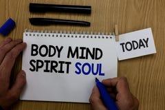 Słowa writing teksta ciała umysłu ducha dusza Biznesowy pojęcie dla ogłoszenie towarzyskie równowagi terapii świadomości stanu um obraz stock