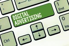 Słowa writing teksta Digital reklama Biznesowy pojęcie dla Online marketingu Dostarcza Promocyjną wiadomości kampanię obrazy stock