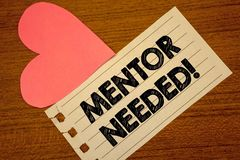 Słowa writing teksta mentora Potrzebny Motywacyjny wezwanie Biznesowy pojęcie dla przewodnictwo rada poparcia Paperpiece szkoleni Obraz Royalty Free