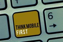 Słowa writing teksta myśli wiszącej ozdoby Pierwszy Biznesowy pojęcie dla Łatwego Handheld przyrządu Dostępnych zawartość 24, 7 P zdjęcia stock