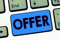 Słowa writing teksta oferta Biznesowy pojęcie dla ponownie wysyłać lub proffer coś akceptować odrzut pragnący jak dla someone obraz stock