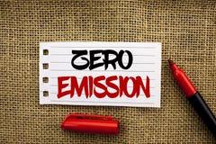 Słowa writing teksta Zero emisja Biznesowy pojęcie dla silnika silnika Energetycznego źródła który emituje żadny jałowych produkt Zdjęcie Royalty Free