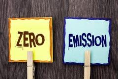 Słowa writing teksta Zero emisja Biznesowy pojęcie dla silnika silnika Energetycznego źródła który emituje żadny jałowych produkt Fotografia Royalty Free