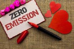 Słowa writing teksta Zero emisja Biznesowy pojęcie dla silnika silnika Energetycznego źródła który emituje żadny jałowych produkt Obraz Stock
