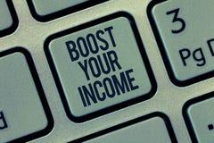 Słowa writing teksta zwiększenie Twój dochód Biznesowy pojęcie dla wzrosta twój pieniądze Inwestorski Freelancing Handlować obraz royalty free