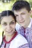 Słowiańska dziewczyna i przy naturą potomstwa cossack. Zdjęcia Stock