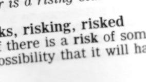 Słownik definicja - ryzyko zbiory wideo