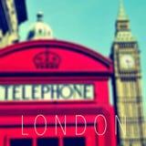 Słowo Londyn, czerwony telefoniczny budka i Big Ben Fotografia Stock