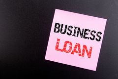 Słowo, pisze Biznesowej pożyczce Biznesowy pojęcie dla Pożyczać finanse kredyt pisać na kleistej notatce, czarny tło z kopii prze zdjęcie stock
