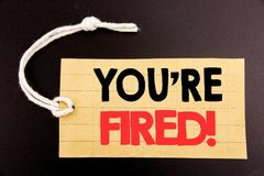 Słowo, pisze Ciebie Podpala Biznesowy pojęcie dla online sprzedaży bezrobotni lub rozładowanie pisać na metka papierze na czarnym zdjęcia royalty free