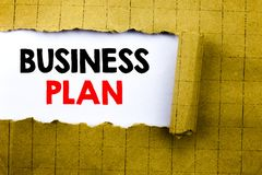 Słowo, pisze planu biznesowego planowaniu Biznesowy pojęcie dla przygotowanie projekta strategii pisać na białym papierze na żółt Obraz Royalty Free