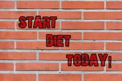 Słowo pisze teksta początku diecie Dzisiaj Biznesowy pojęcie dla specjalnego kursowego jedzenia który ono ogranicza demonstrujący ilustracji