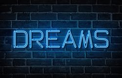 Słowo sen pisać z neonowymi listami przy ściana z cegieł tłem royalty ilustracja