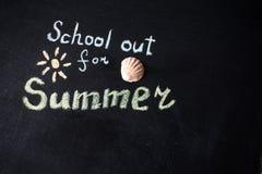 Słowo szkoła Out pisać na chalkboard Zdjęcie Stock