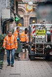 Służba publiczna wymiatacza samochodu dostawczego krwi czyści ślada po Strasbou fotografia royalty free