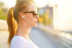 Słuchać muzyka zdjęcia stock