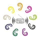 Słuchać z ucho radiowy sygnał Zdjęcia Royalty Free
