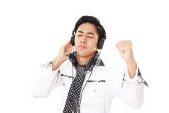 słuchał muzyki człowieka Fotografia Stock