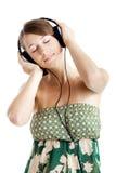 słucha muzykę obraz royalty free