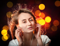 Słucha muzyka Zdjęcie Stock