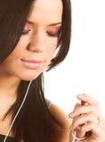 słuchająca muzyczna kobieta Obraz Stock
