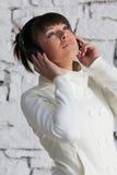 słuchająca muzyka Fotografia Stock