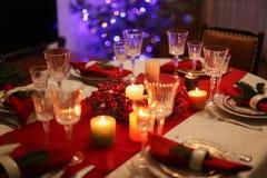 Słuzyć stół dla nowego roku zdjęcia stock