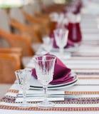 Słuzyć stołowy w ukraińskiej restauraci Obraz Stock